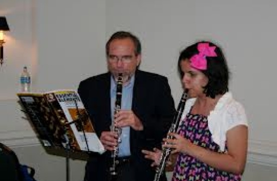 13-year-old Mano Kolman and her father, Barry, prepare to play a clarinet duet together. Photo courtesy the Kolman  Family. Photo: W&L.