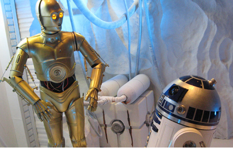 C-3PO (l) and R2D2. Photo-DMA Central.
