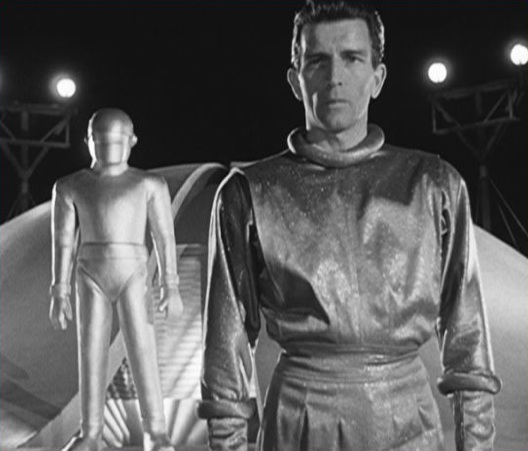 No fluff here: Alien Klaatu and his powerful robot companion 'Gort' in the 1951 American Sci-Fi thriller, The Day The Earth Stood Still. Photo-classic films.