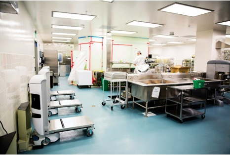 The roboticized kitchen of the UCSF Medical Center.  Josh Valcarcel:WIRED