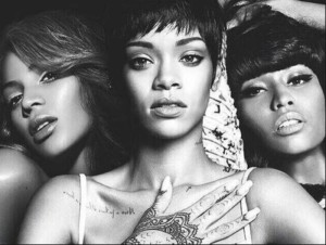 The Selfie queens- Beyonce, Rihanna and Nicki Minaj. Photo- tumblr